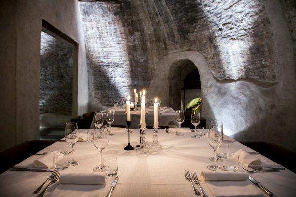 experience-tour-operator-viaggiare-italia-bologna_exclusive-gourmet-dinner-wine-cellar-02