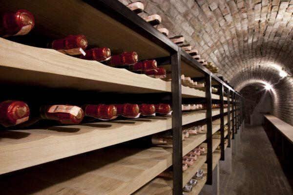 experience-tour-operator-viaggiare-italia-bologna_exclusive-gourmet-dinner-wine-cellar-03